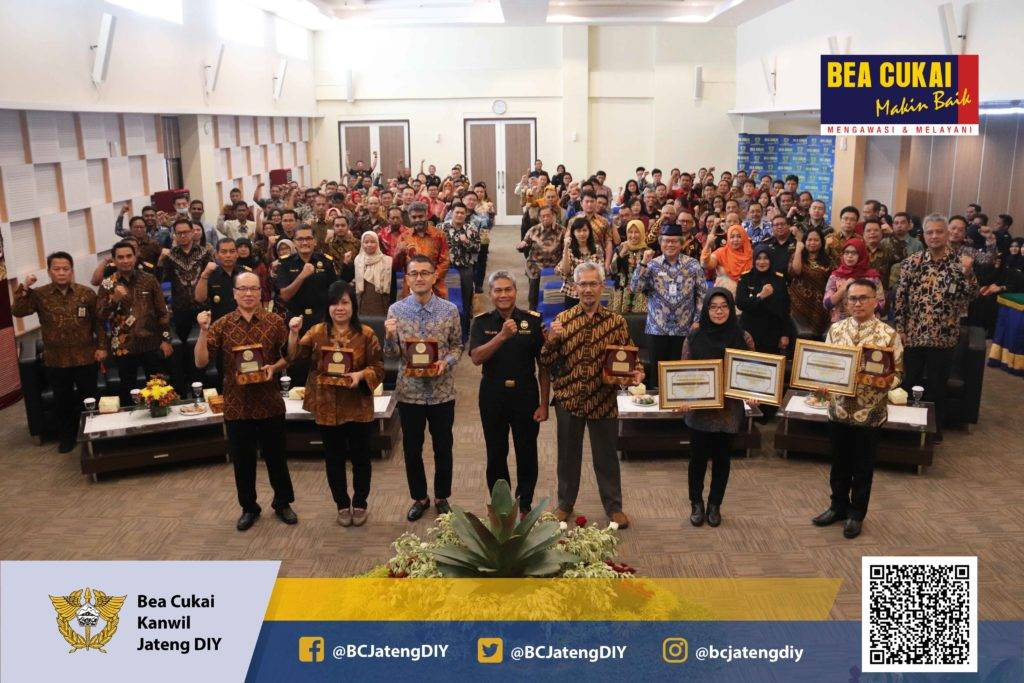 Pemberian Penghargaan bagi Perusahaan Penerima Fasilitas KB-KITE Customs Award 2019